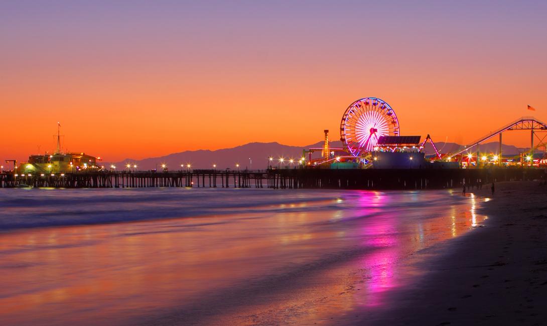 Санта-Моника Калифорния Идеальным способом встретить закат в Санта-Монике будет местное колесо обозрения, с вершины которого открывается невероятный вид.