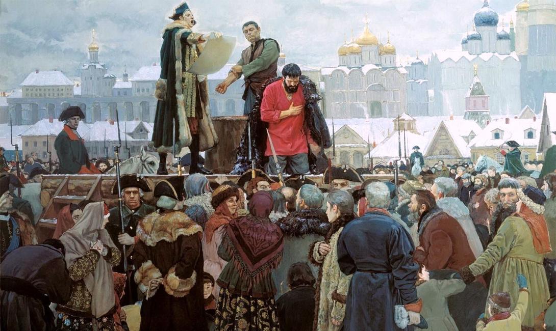 Запрет кулачного боя Первые запреты общественных кулачных боев начались уже после Крещения Руси. Дело в том, что славяне-язычники посвящали драки Перуну, покровителю воинов и боевых искусств. Его, естественно, в христианском пантеоне видеть никто не желал. Митрополит Кирилл в 1274 году постановил даже отлучать от церкви участвующих в боях мужчин. Несмотря на все препоны, кулачные бои никуда не ушли. Не помешали даже очень серьезные меры уголовного характера, предусмотренные для бойцов в XVII веке. Петр I, напротив, всячески поощрял схватки и даже несколько раз устраивал их сам, «дабы показать удаль русского народа». После него традиции боев практически не притеснялись, однако правление Николая I стало началом окончательного забвения этой славной традиции. Император категорично запретил кулачные бои, а после 1917 года коммунисты сочли эту практику еще одним наследством царского режима — что было равносильно прямому запрету.