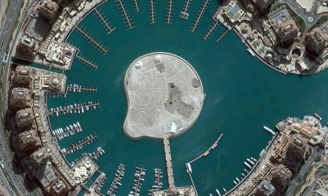 Доха, Катар Искусственный остров охватывает почти четыре миллиона квадратных метров