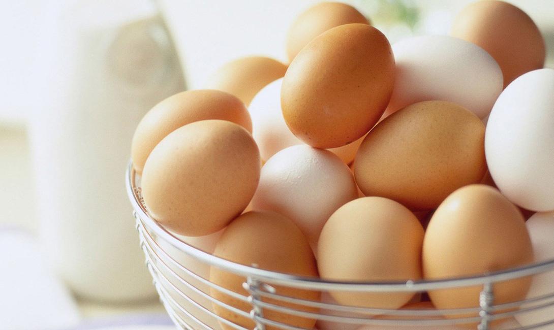 Куриные яйца В холодильнике: 3-5 недельКомнатная температура: 2 недели