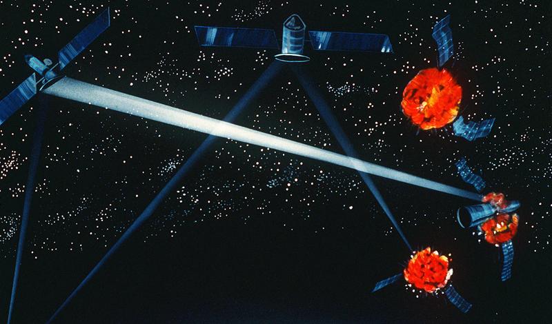Бриллиантовая галька Странно, что этот проект так и остался в числе не реализованных. Во время холодной войны правительство США рассматривало идею запуска в космос более 4 000 тысяч миниатюрных спутников, которые могли бы контролировать запуск баллистической ядерной боеголовки в любой точке планеты. И не только контролировать: каждый из спутников мог атаковать запущенную ракету и, как минимум, сбить ее с цели — а то и уничтожить вовсе. Для реализации проекта не требовалось ничего сверхъестественного — тем более удивительно, что он остался лишь частью истории.