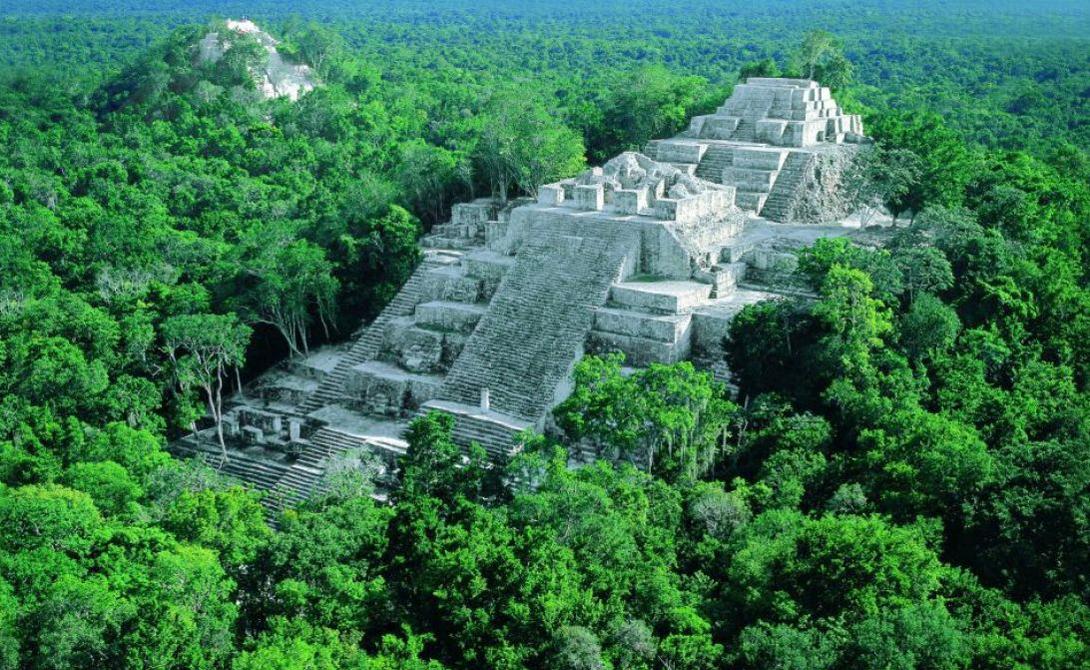 Потерянный Город Колумбия Находящийся под угрозой исчезновения город скрыт в середине колумбийских джунглей. Поход сюда займет несколько дней — спецгиды Санта-Аны будут рады проводить смелого туриста сквозь эти дикие дебри.Древние руины в джунглях — 200 неплохо сохранившихся зданий — способны кого угодно превратить в завзятого археолога.