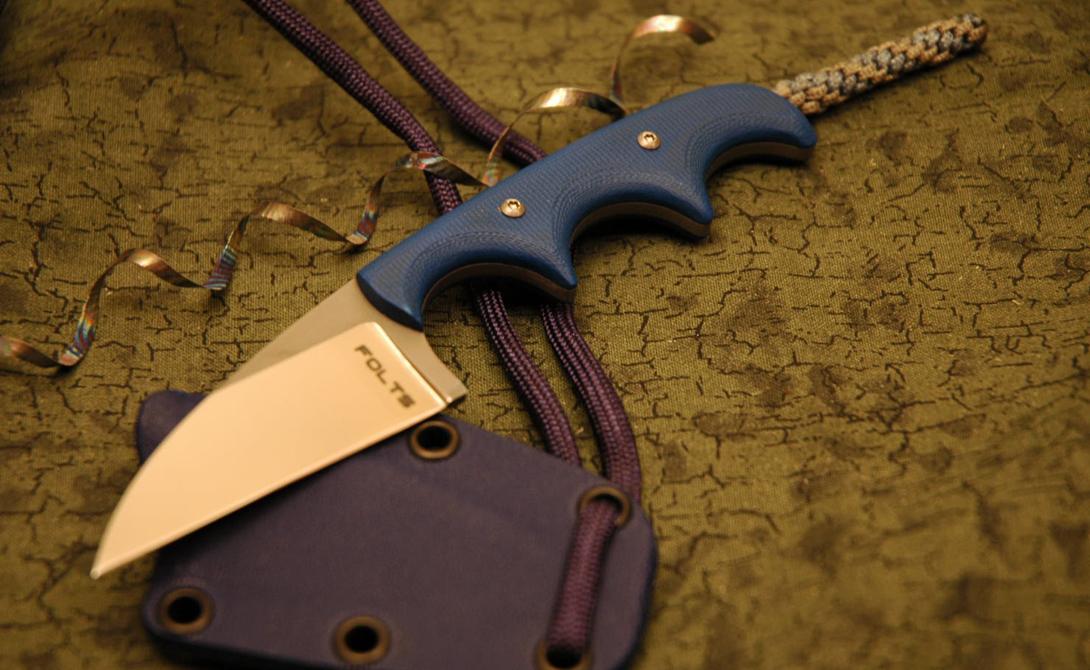 CRKT Folts Нож идеально лежит в руке. Специальные углубления для пальцев на рукояти обеспечивают дополнительный контроль. CRKT Folts маленький и четкий, обнаружить его на теле будет сложно даже опытному человеку.