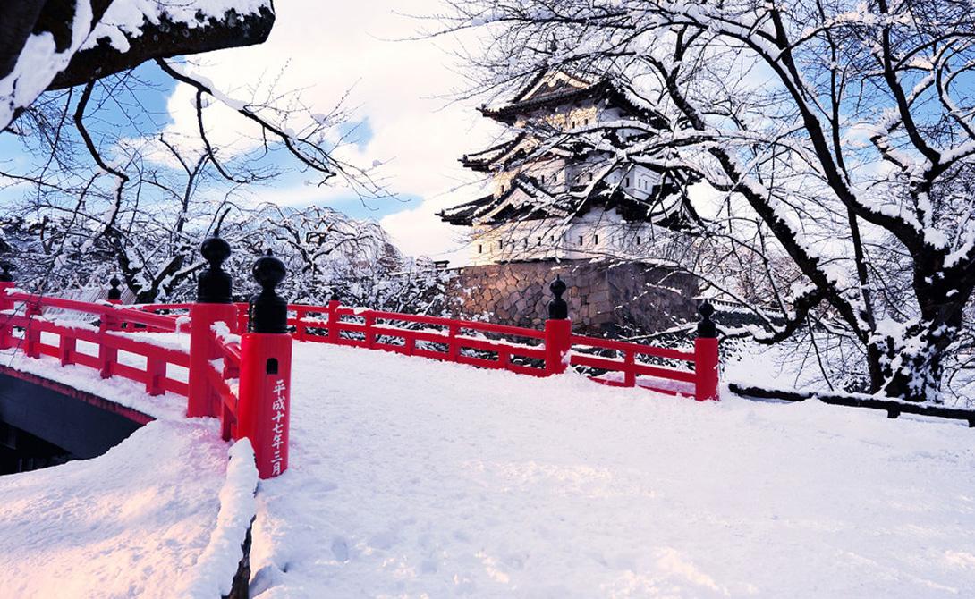 Аомори Сити Тохоку, Япония Заснеженный Аомори расположен в высокогорном районе Японии. Город окружен прекрасными лесами, горами, где хочется провести старость и озерами, превращающими регион в настоящую зимнюю сказку.