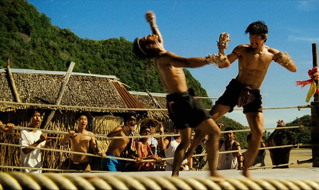 Муай-тай Таиланд Прародителем этого жестокого единоборства считается стиль муай-боран, который, в свою очередь, пришел в страну из Индии. Муай-тай прорабатывался в качестве исключительно воинской дисциплины — отсюда эффективные, рассчитанные на уничтожение противника удары, снести которые способен не каждый.