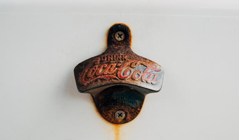 Кока-кола отлично утоляет жажду — а заодно и удаляет ржавчину.