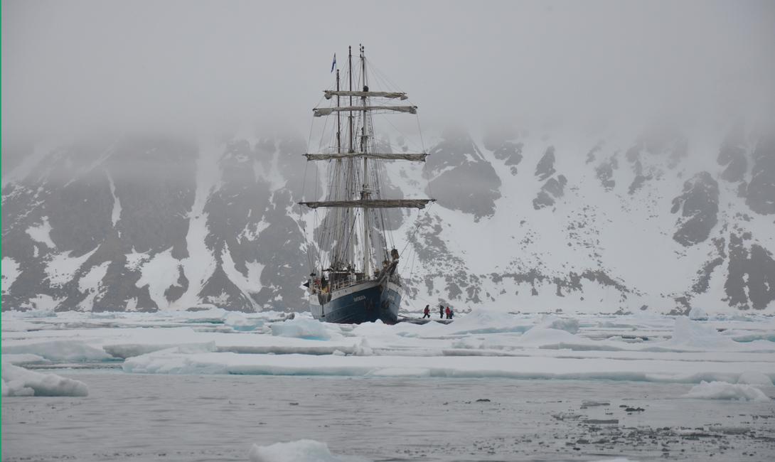 Дальнейшие исследования Археологи команды NOAA уверены, что таяние льдов поможет им сделать и другие открытия такого рода. Косвенные находки уже подтверждают энтузиазм исследователей: обломки затонувших судов были найдены на некоторых из самых отдаленных пляжей региона.