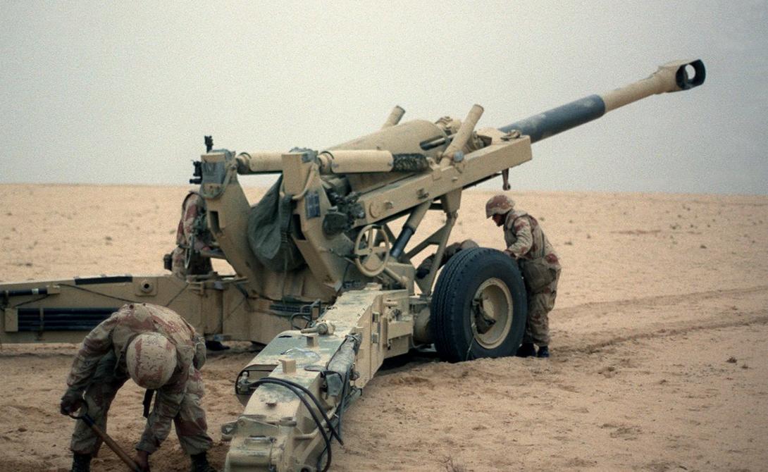 Гаубица M198 Гаубица M198 была разработана для армии США после Второй мировой войны. M198 может использовать различные боеприпасы — в том числе, и белый фосфор. ISIS, скорее всего, захватили гаубицы из казарм войск иракской армии, после того, как солдаты их покинули.