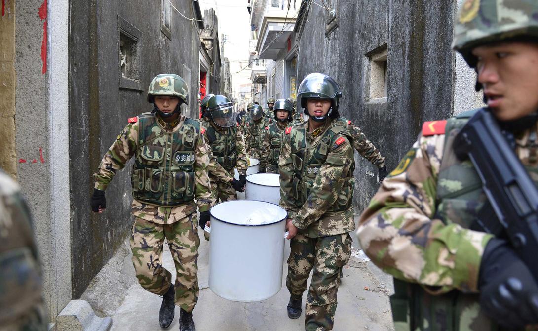 Больше всего страдают от наплыва веществ китайцы. Приграничный городок Яньцзи превратился в настоящий оплот наркомании: именно сюда предпочитают свозить свой товар предприимчивые химики из Северной Кореи.