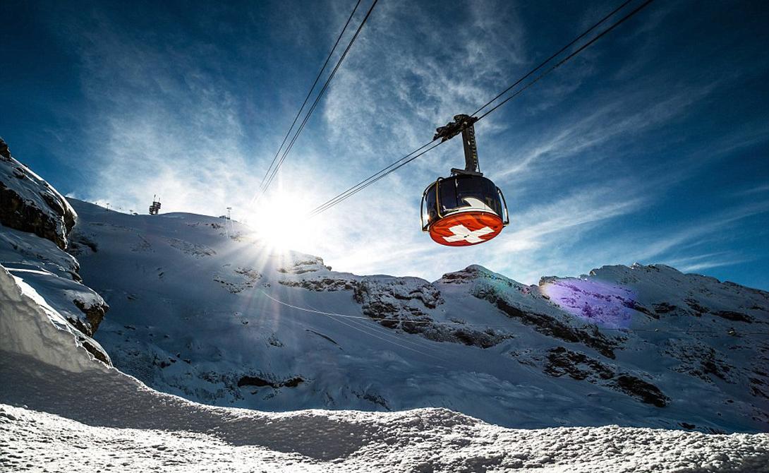 Titlis Rotair Энгельберг, Швейцария Первый в мире вращающийся подъемник Titlis Rotair поворачивается на 360 градусов на своем пути до высшей точки горы Титлис. Райдерам обеспечено полное представление о чарующей красоте альпийских гор.