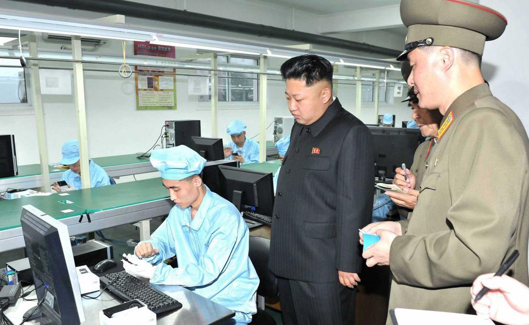 Производством продукта не занимаются подпольные нарколаборатории. Здесь все — на государственном уровне. В бурных 90-х изготовлением мета, опия и других наркотиков занималась специальная Служба 39: валюта, полученная за вещества, уходила в карман ныне покойного Ким Чен Ира.