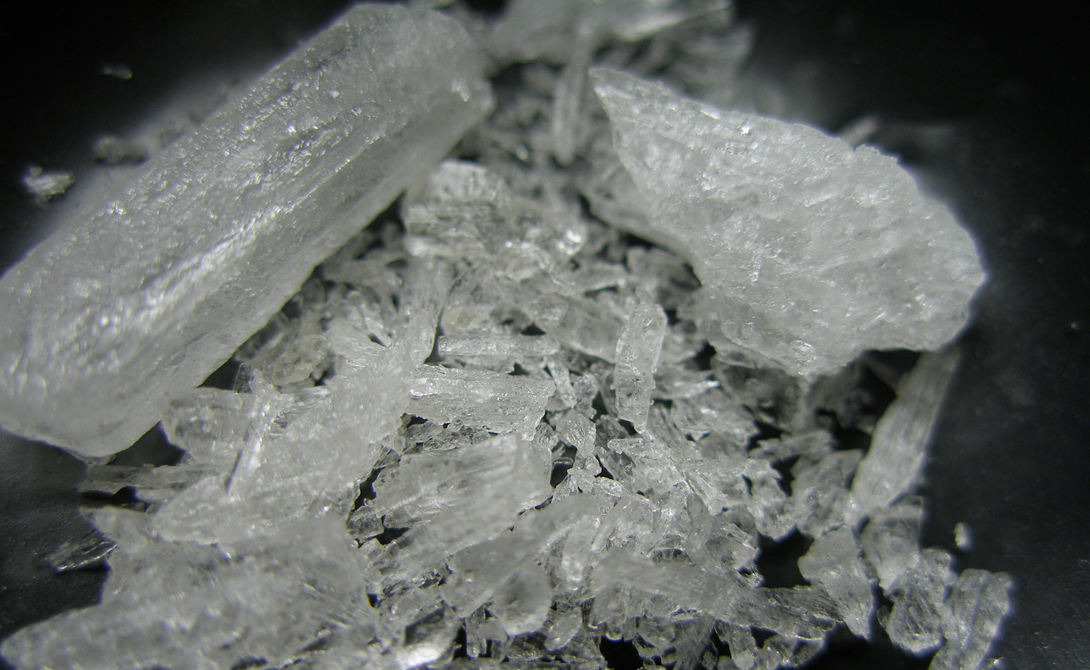 Наркотики варятся и частными предпринимателями. Метамфетамин относительно несложен в производстве, лабораторию можно разместить на любой кухне.