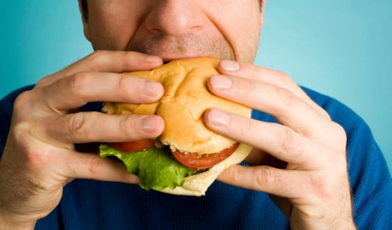 Пресс без диеты Заветные кубики не получить без правильной диеты. Вы можете сколько угодно делать скручивания, приседать и крутить педали до зеленых чертей — без осознанного потребления пищи цели добиться не выйдет.