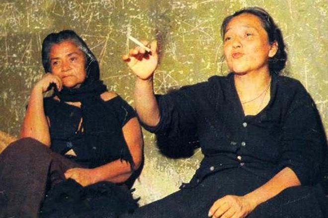 Дефина и Мария де Хесус Гонсалес Количество убийств: 80 В 1964 году сестры Гонсалес были приговорены к 40 годам лишения свободы после того, как на территории их ранчо были обнаружены останки 80 женщин и 11 мужчин. Девушки подрабатывали проституцией — а тех, кто им не понравился, просто убивали.