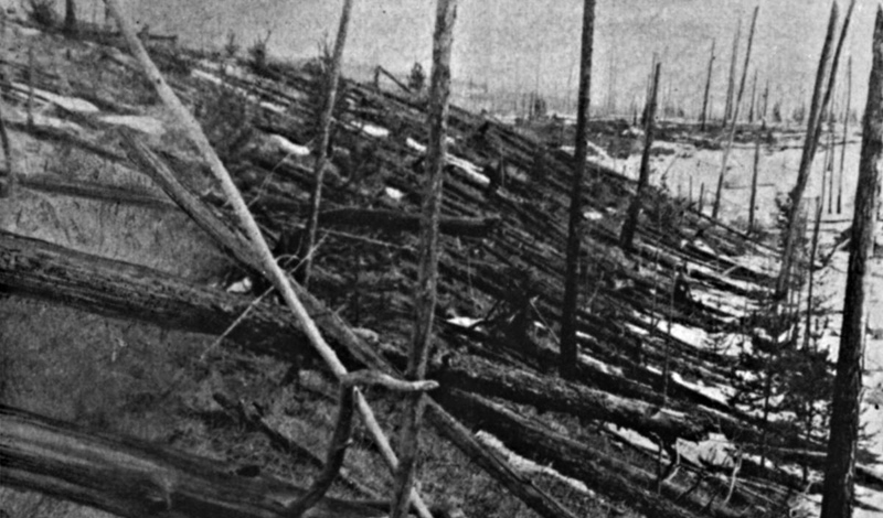 Тунгусский метеорит 30 июня 1908 года огромный метеорит упал на Землю. Ударная волна срубила несколько тысяч деревьев. Этот взрыв, над причиной которого до сих пор спорят ученые, был в 1000 сильнее, чем атомная бомба, сброшенная на Хиросиму.