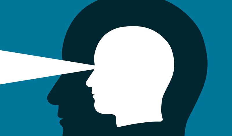 Физический контроль Первым шагом к развитию будет привязка вашей интуиции к определенным физическим ощущениям. Подсознание кидает нам ясно различимые подсказки — вот только большинство людей их пропускают, находясь в постоянном потоке внутреннего диалога. Выделите весь день на понимание того, как именно «разговаривает» с вами интуиция. Выпишите на бумагу, какие ощущения вы испытывали предчувствуя что-то, сбывшееся впоследствии.