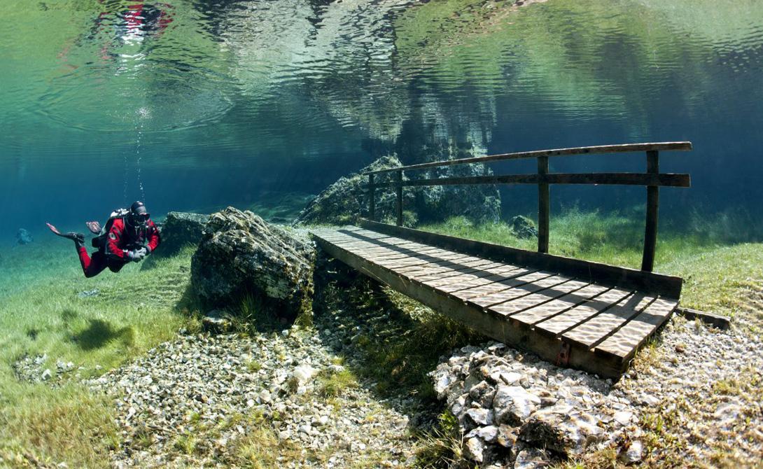 Мост под водой.