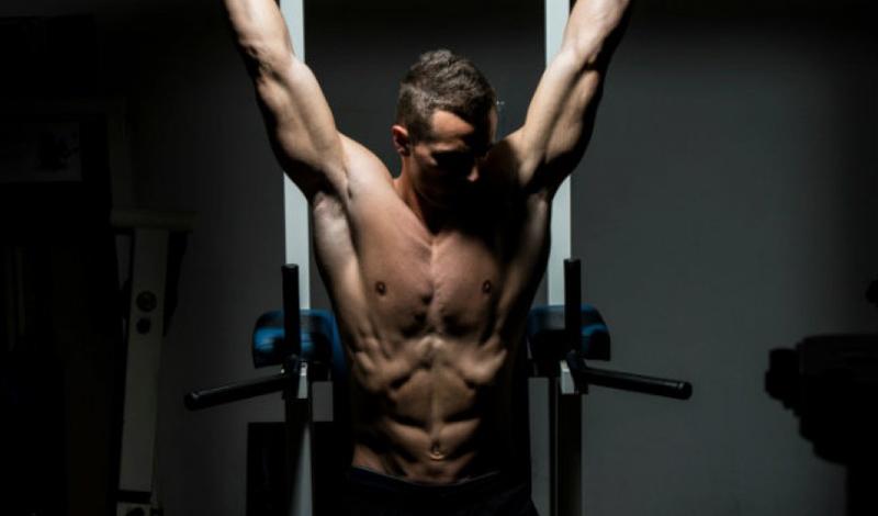 Ежедневные тренировки Конечно, вы можете прокачивать мышцы пресса ежедневно. Если, конечно, ставите своей целью изнурение мышечных волокон, а не формирование рельефа. В противном случае стоит придерживаться тех же самых принципов, что работают и для других мышц.