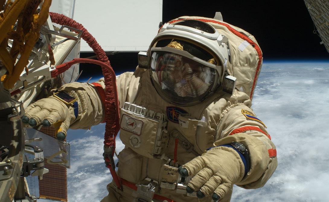 Кроме того, посадочный модуль продемонстрировал, что поверхность Луны вообще может выдержать человека. Это был настоящий прорыв, показавший всему миру совершенство советской лунной программы.