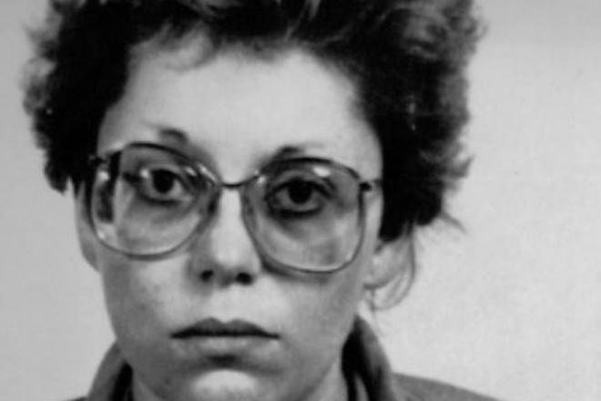 Вальтруда Вагнер Количество убийств: 15 Вагнер стала лидером банды из четырех медсестер, сеющих смерть в госпитале Лайнц. Волна убийств прокатилась по всем этажам этого уважаемого венского учреждения в конце 1980 года: девушки в белоснежной униформе помогали уйти из жизни всем, кого считали нужным. Всего погибло около 200 пациентов, Вальтруда же виновна в 15 доказанных убийствах.