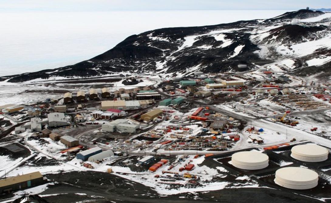 В Антарктиде была своя собственная атомная станция — МакМердо. Ее построили только в 1962 году.