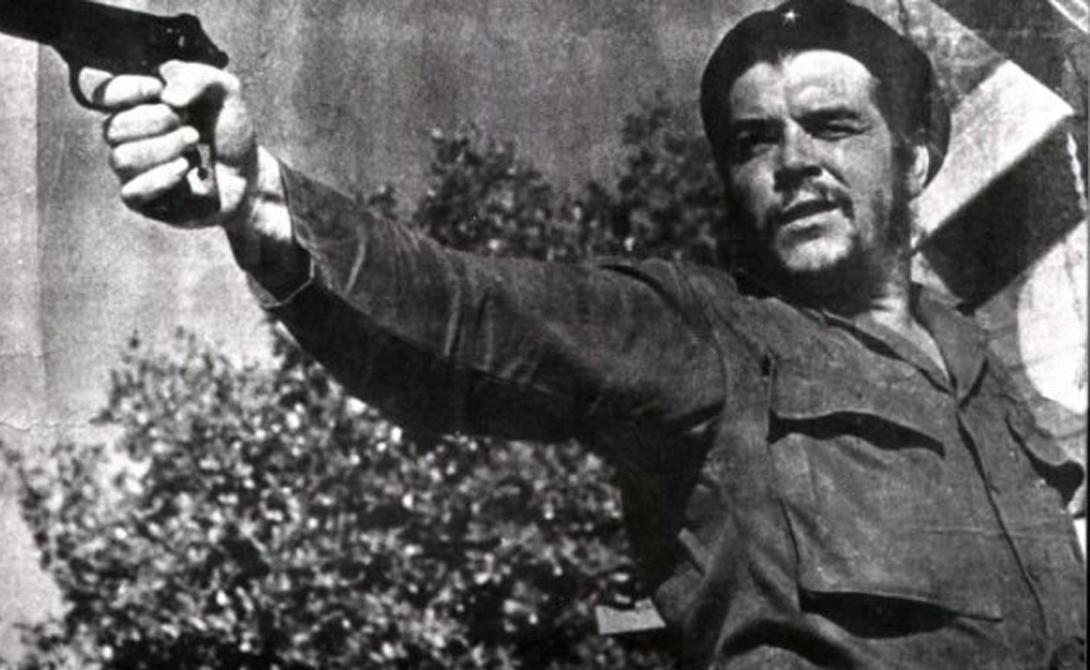 Народная любовь Несмотря на все недостатки, АПС пользовался огромной популярностью. Его очень любили многие руководители просоветских стран. Фидель Кастро держал своего «Стечкина» под подушкой, а Че Гевара получил персональный АПС из рук самого Брежнева.