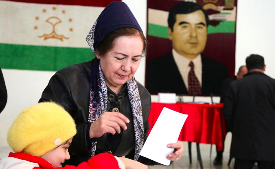 Душанбе Таджикистан Бедность и постоянная нехватка электроэнергии — проблема не только этого города, но и всей страны.