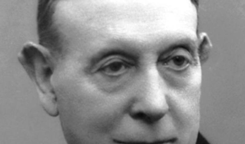 Монис стал первым португальцем, получившим Нобелевскую премию за открытие терапевтического значения лейкотомии в определенных психозах.