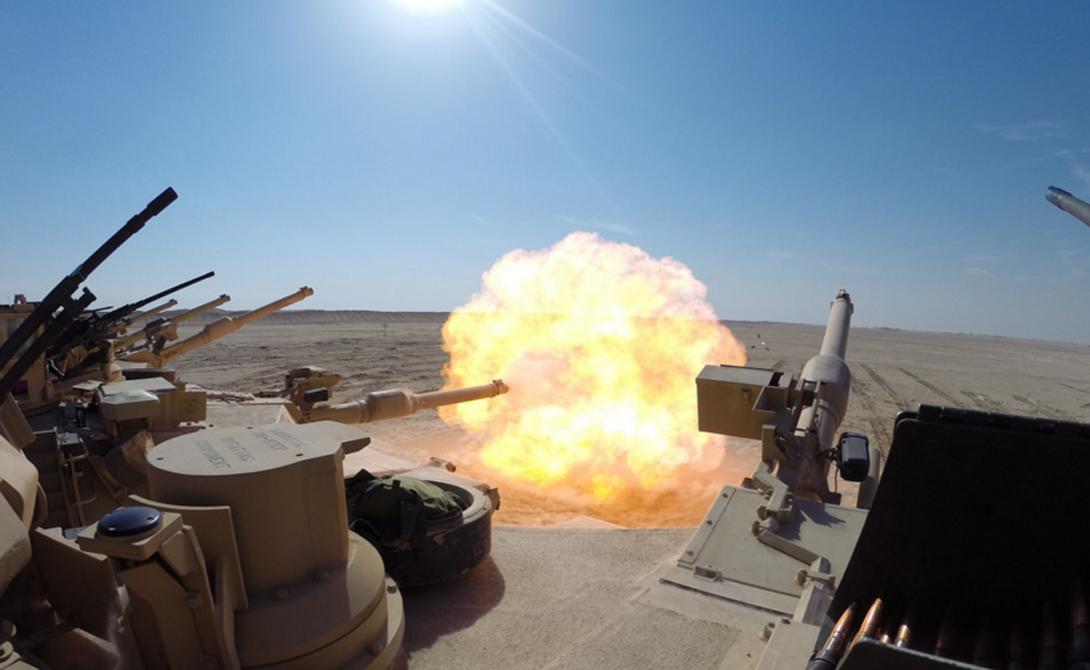 В своей книге Heavy Metal: A Tank Company's Battle to Baghdad генерал-майор Джейсон Конрой описывает сражение M1 Abrams против семи советских Т-72: американская машина вышла из боя без малейшего ущерба, расстреляв противника практически в упор.