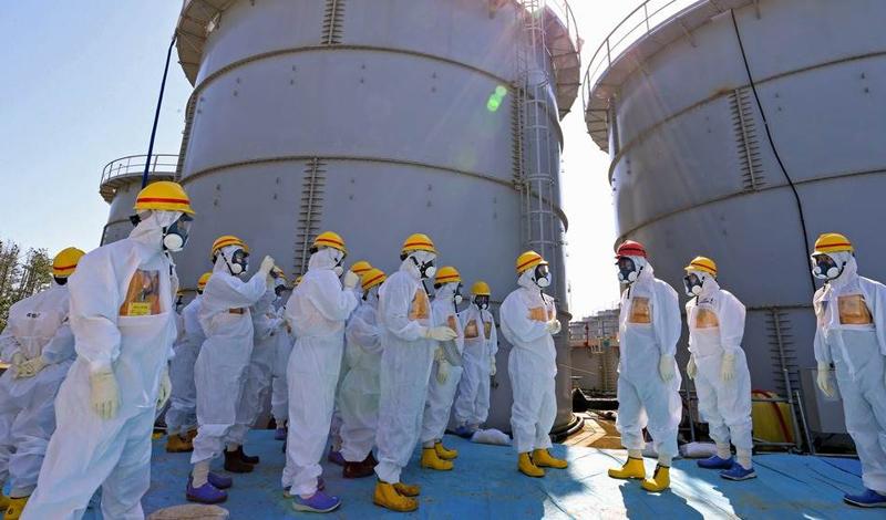 По счастью, человек умеет учиться на собственном опыте. Авария на Фукусиме, вызвавшая ужасающее цунами 2011 года, была устранена в инфернально сжатые сроки. Тяжелая работа — и большое везение — позволили инженерам-спасателям купировать практически все последствия катастрофы. Можно надеятся, что в будущем мы научимся и тому, как просто не допускать подобных ошибок.