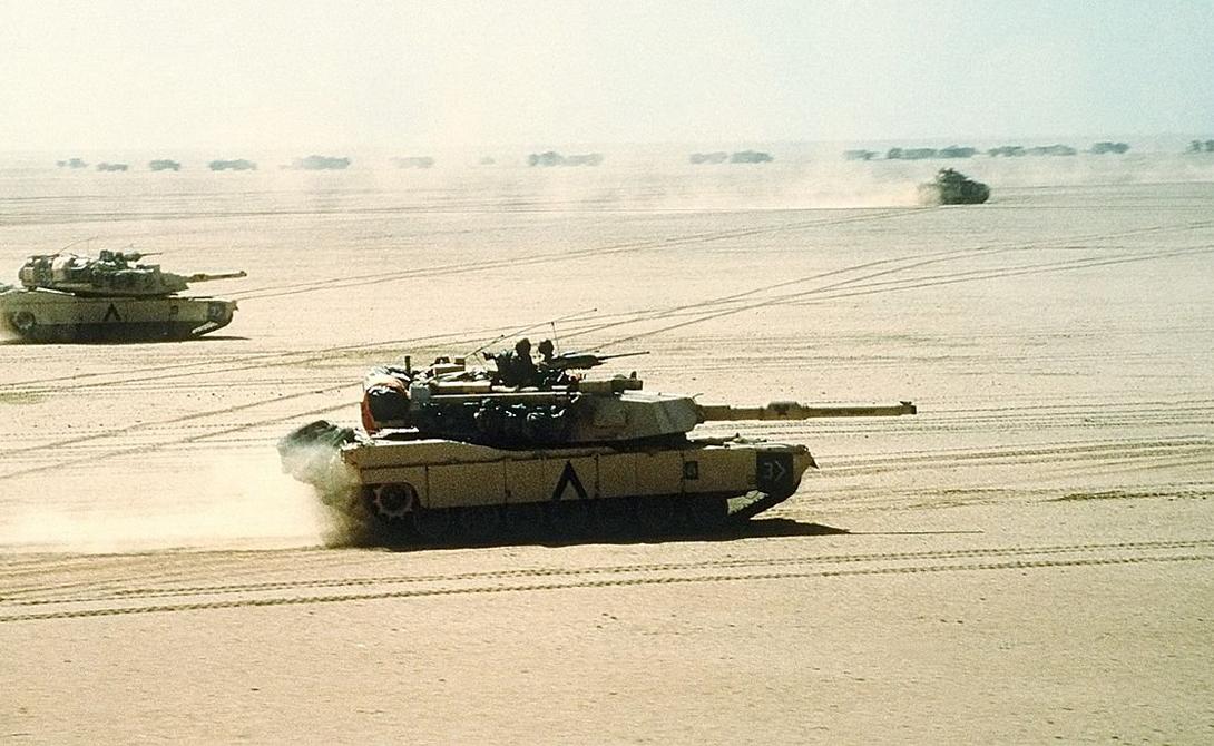 Первое же появление M1 Abrams на поле боя было очень впечатляюще. Во время войны в Персидском заливе, иракские войска не смогли уничтожить ни одного танка.