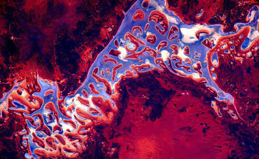 Красно-фиолетовые земли Австралии.