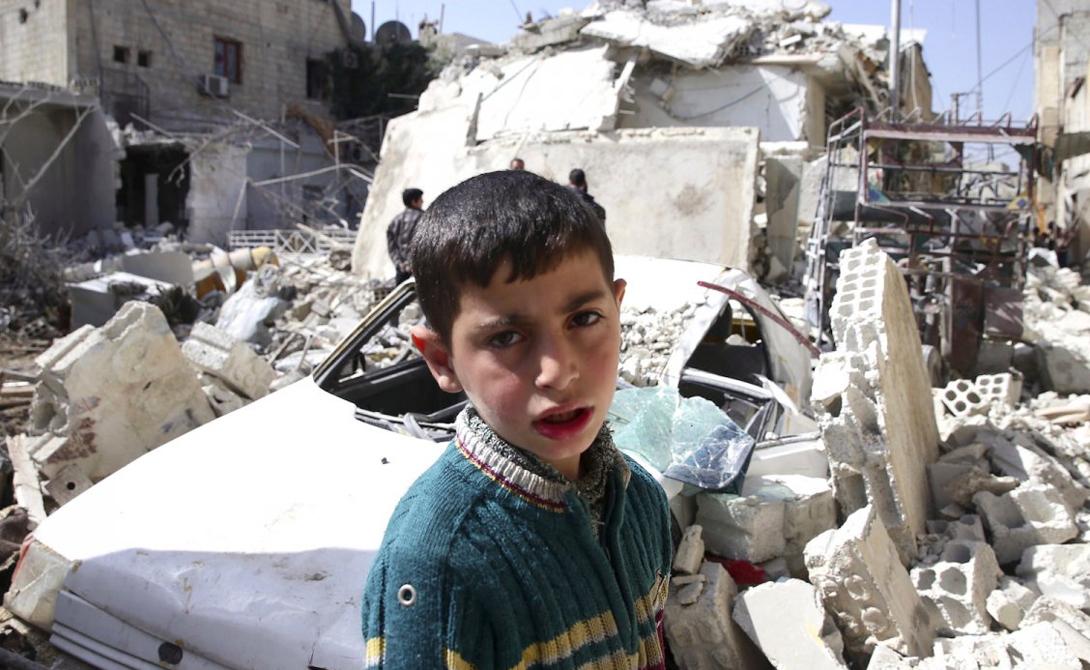 Дамаск Сирия Несчастный, в прошлом великий город стал свидетелем постоянного насилия, многочисленных террористических актов и грабежей.
