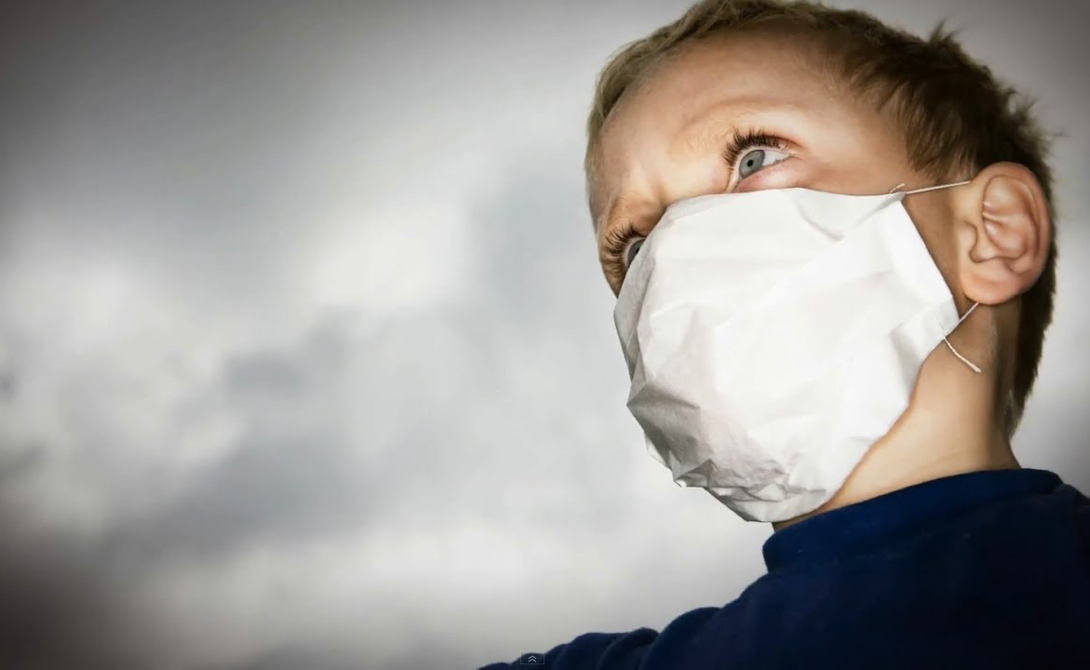 Неизвестная пандемия Пандемии не отправляют предупреждающих писем, прежде чем накинуться на человечество. Прогнозировать их очень трудно. Но ученые уверены — новая напасть наверняка придет к нам от животных. Эксперты полагают, что следующая глобальная пандемия будет вызвана вирусом с высокой способностью к мутации. Он будет рекомбинировать элементы своего генетического материала в процессе репликации. То есть, прежде чем ученые остановят распространение вируса, пройдет не мало времени, купленного кровью всего человечества.