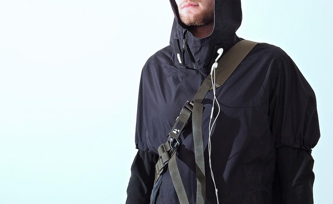 Куртка Acronym Непонятная погода, солнце и холод, дождь, ветер и даже срывающийся изредка снег — весной нужно быть особенно придирчивым к собственному гардеробу. Обратите внимание на одежду Acronym: непомерно дорогие, но предельно функциональные куртки будут гарантированно радовать вас еще несколько следующих лет.