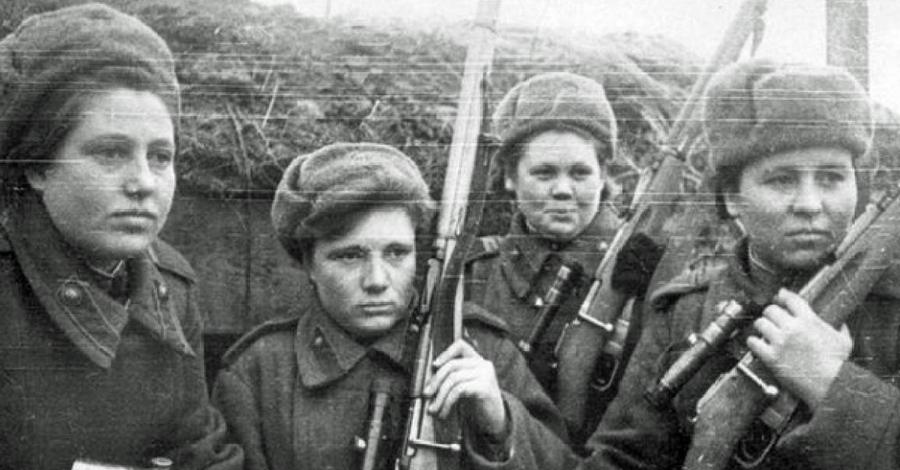Клавдия Калугина Клавдия Калугина стала снайпером в свои нежные семнадцать лет. Она до сих пор остается одним из самых смертоносных стрелков во всей мировой истории. Подтвержденное количество уничтоженных Клавдией врагов — 257 человек.