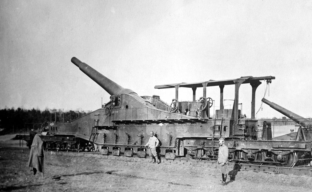 Obusier de 520 Железнодорожная пушка Obusier de 520 была французским «супероружием» времен Первой мировой войны — точнее, собиралась им быть. Задержки в поставках привели к тому, что первый рабочий экземпляр Obusier de 520 появился только в 1940 году: по сути, французы собрали пушку будто в подарок немецко-фашистским оккупантам. Немцы использовали французскую разработку при атаке Ленинграда, в 1942 году. Год спустя Obusier de 520 взорвался при очередном выстреле.