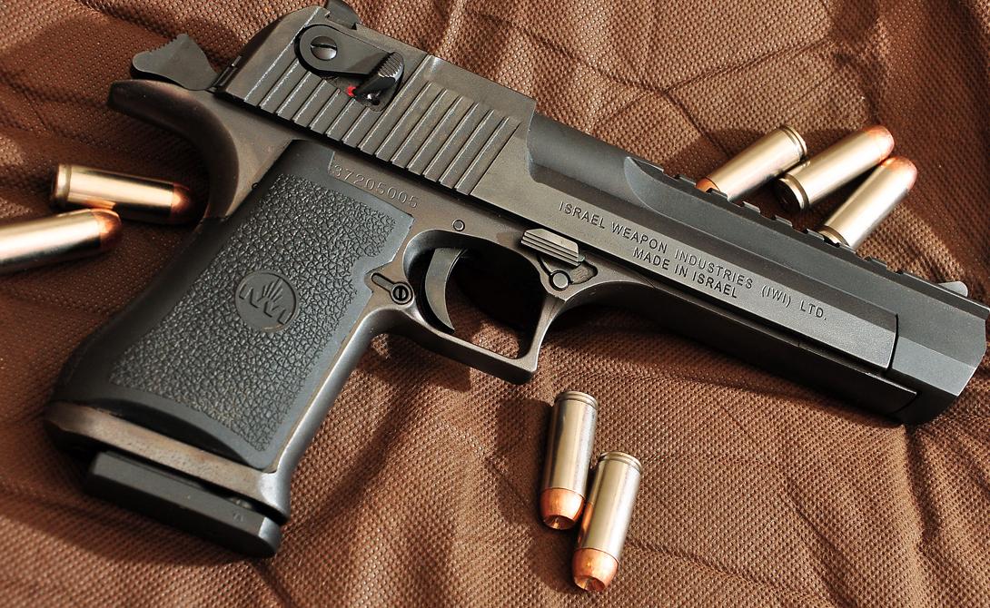 Характеристики Патрон: .41 Remington MagnumДлина, мм: 374,7Масса, кг: 1,9Магазин: 9 патронов