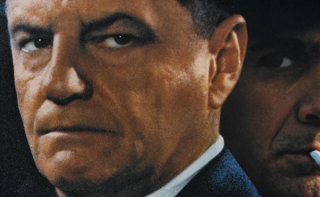 Пропажа Хоффа 30 июля 1975 года Джимми Хоффа зарабатывал на жизнь очень опасным делом — этот парень возглавлял объединение профсоюзов, традиционно имевших связи с мафией. После своего закономерного осуждения, Джимми Хоффа был выпущен на поруки указом самого президента, Никсона. После чего Хоффа, отправившийся отобедать в компании пары известных итальянских мафиози, просто исчез с лица планеты. Вполне вероятно, что этому парню уже давно сшили деревянный макинтош, или закатали его в асфальт, или одели бетонные башмаки — но доказательств этого нет никаких.