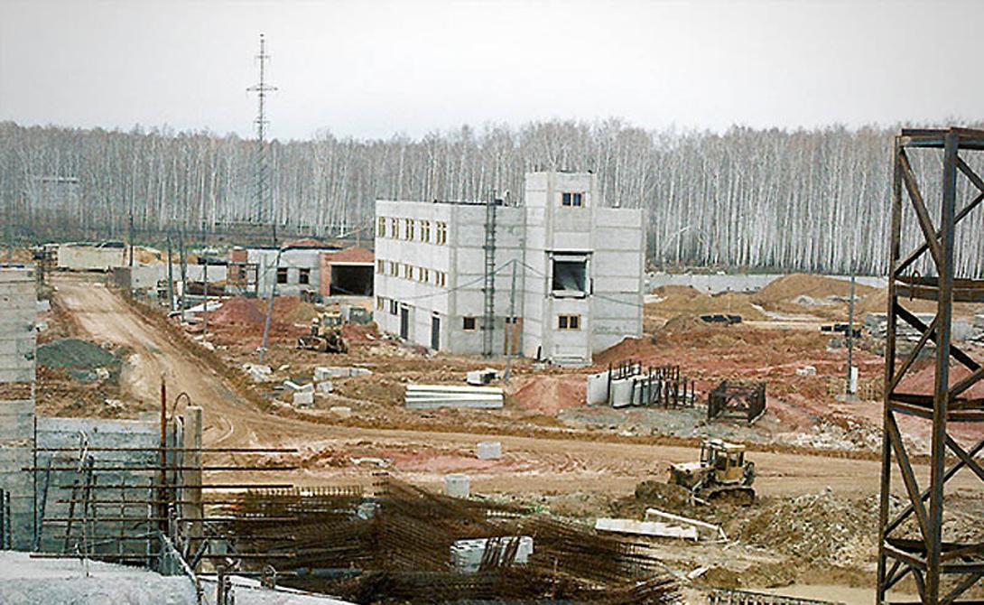 Кыштым Россия Химкомбинат «Маяк» стал местом свалки радиоактивных отходов. Сбой в охладительной системе вызвал взрыв: осадки охватили площадь в 500 квадратных километров. 10 тысяч человек были эвакуированы, около 300 погибло в течение первой недели после взрыва. СССР держал трагедию в тайне вплоть до 1990 года.