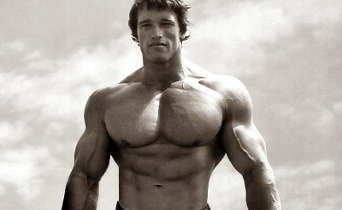 Ошибки Многие сетуют на то, что несмотря на постоянные нагрузки грудь не растет и не приобретает формы. Исключите основные ошибки и проблема уйдет сама собой. Не берите большие веса, пренебрегая техникой и не зацикливайтесь на одной и той же группе мышц — чередуйте упражнения.