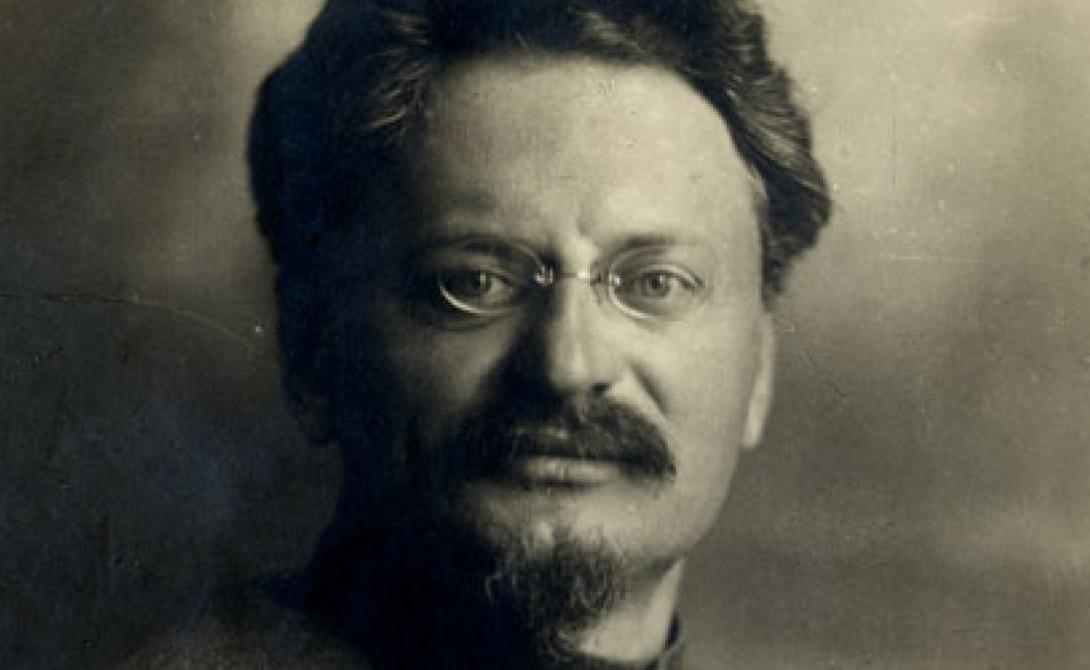 Лев Троцкий Теоретик и практик марксисткой революции, товарищ Лев Троцкий известен как основатель и первый руководитель Красной Армии. Убит ледорубом.