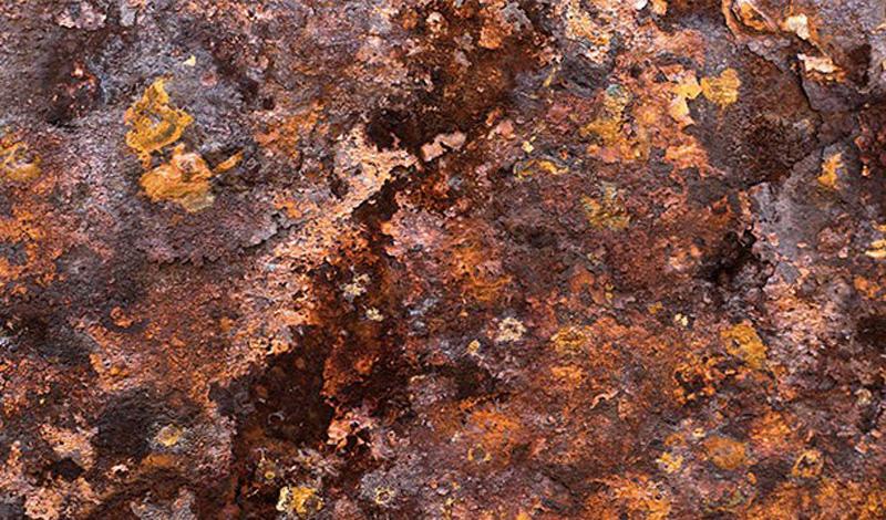 Марс красный, потому что покрыт окисью железа. Можно сказать — он ржавый.