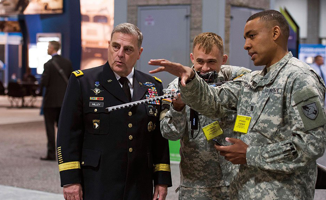 Министерство обороны США также активно вкладывается в разработку систем противодействия беспилотникам. Недавно была представлена футуристическая винтовка, способная использовать уязвимость в конкретной модели дрона и отключить его.