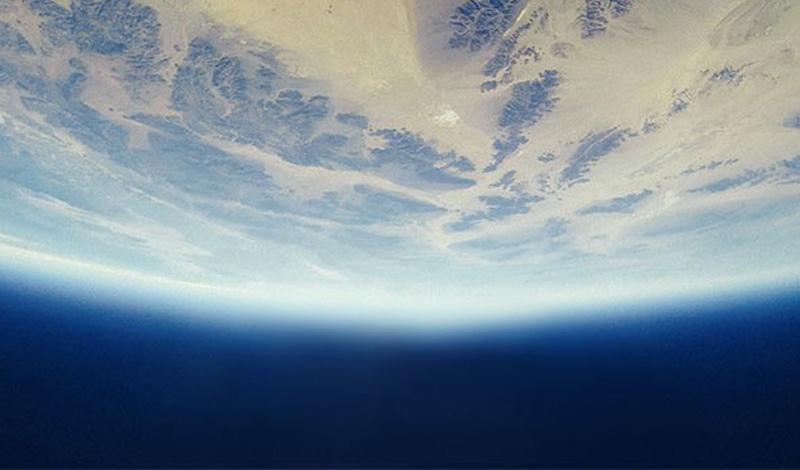 Хотя Марс — только половина размера нашей планеты, он имеет примерно такое же количество почвы. Это потому, что поверхность Земли, в основном, занята водой.