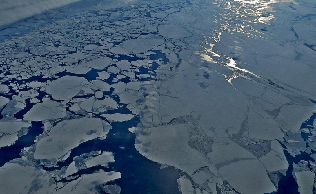 Быстрая дестабилизация ледового покрова в Гренландии и Антарктиде сыграла здесь значительную роль. Компьютерная модель показала, что повышение уровня воды в Индийском океане и Каспийском море привело к движению Северного полюса в неестественном направлении.