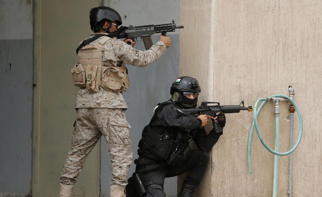 Одна из главных обязанностей иорданского спецназа — охрана национальных границ королевства. Эта миссия приобретает все большее значение после 2006 года, когда нестабильность региона начала возрастать в геометрической прогрессии.
