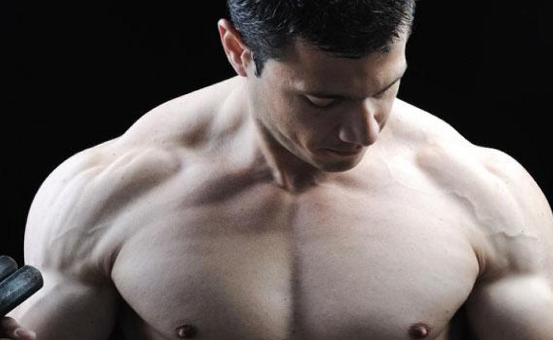 Отдых Забудьте о тренировках по пять раз в неделю — если вы не опытный спортсмен и не поддерживаете свое тело специальным питанием, такая нагрузка может лишь повредить росту мышц. Вообще говоря, любые упражнения со снарядами травмируют мышечную ткань, вследствие чего организм запускает «защитную» программу — увеличивает рост мышц. Но на это нелегкое дело ему требуется время. Не тренируйте одну часть тела чаще, чем раз в два дня и будет вам счастье.
