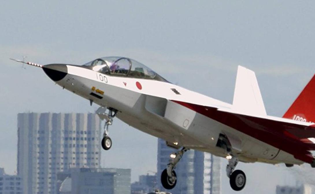 Кроме того, концерн Mitsubishi реализует на X-2 эксклюзивную технологию самовосстановления управления полетом. Таким образом, компьютерная система станет учитывать полученные в бою повреждения, чтобы корректировать поведение всей машины в целом.