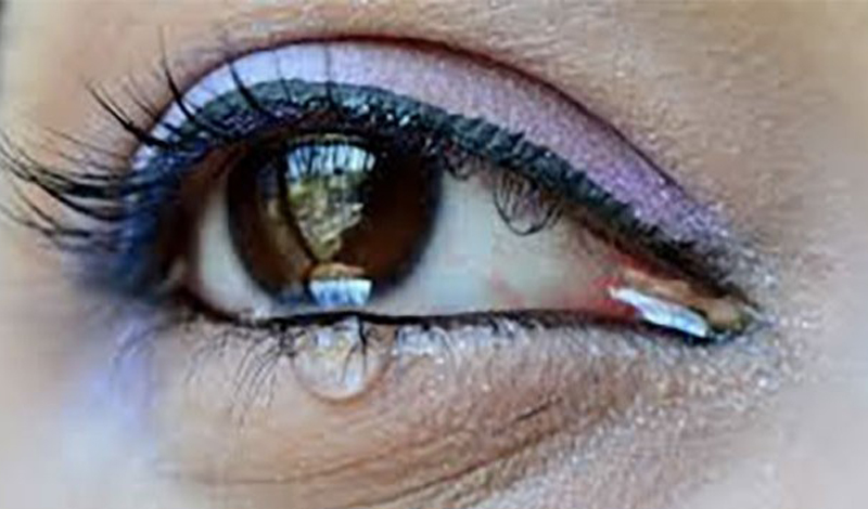 Исследователи из Института Вейцмана в Израиле обнаружили, что запах женских слез снижает уровень тестостерона у мужчин.